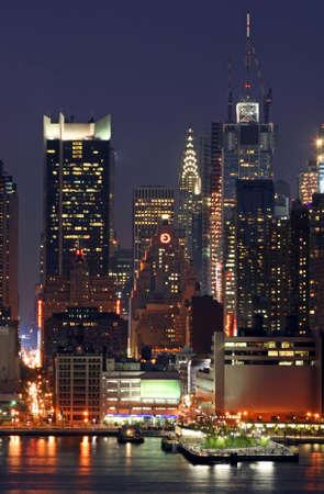 맨해튼 미드 타운 스카이 라인 야간 스톡 콘텐츠