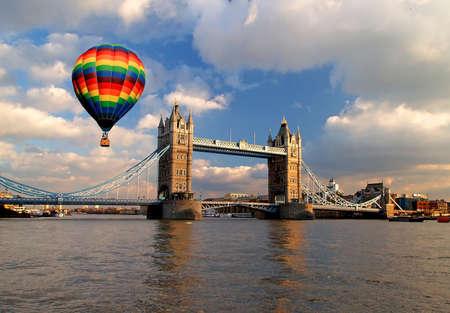 런던의 타워 브릿지