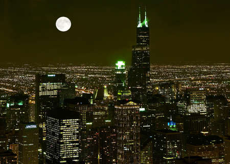 major: Chicago Skyline at night in United States Stock Photo