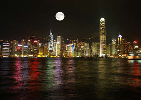 sea scape: The beautiful Hong Kong Skyine at night