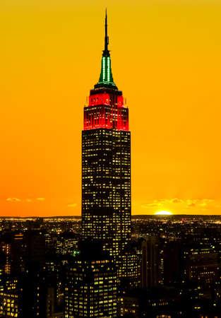 empire state building: The Empire State Building and Manhattan Midtown Skyline USA