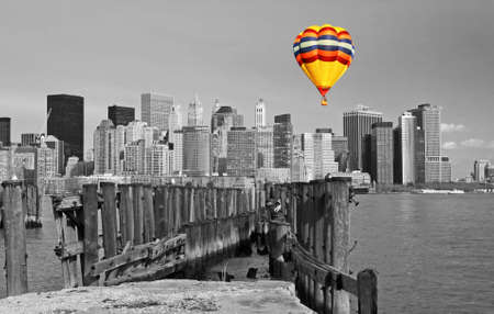 The Lower Manhattan skyline in a classic black and white format 免版税图像 - 4314994