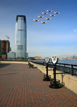 The Lower Manhattan Skyline viewed from Liberty Park New Jersey 免版税图像 - 4487357