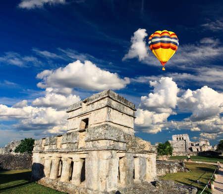 Tulum l'un des plus célèbres de repère dans le monde Maya près de Cancun au Mexique Banque d'images - 4569512