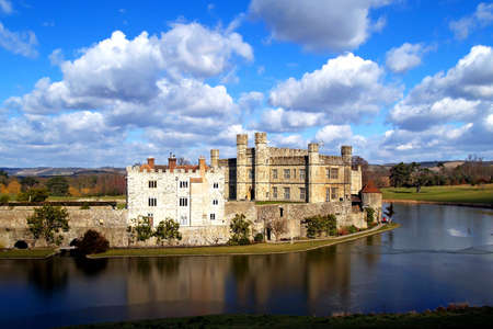 coutryside: The leeds castle the coutryside of England Stock Photo