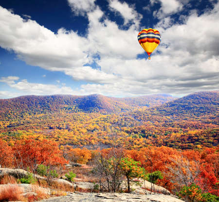 fall scenery: The foliage scenery from the top of Bear Mountain in New York State