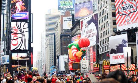 mcdonald: MANHATTAN - NOVEMBER 26 :  A Ronald McDonald  balloon passing Times Square at the Macys Thanksgiving Day Parade November 26, 2009 in Manhattan.