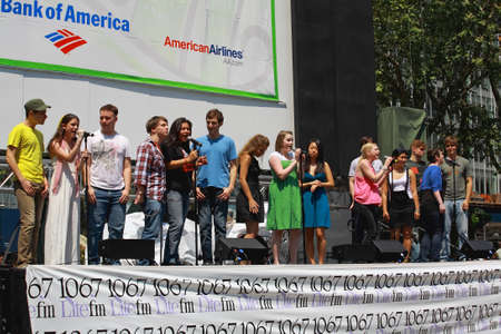 bryant park: NEW YORK - AUGUST 7: The cast of  Spring Awakening performed at The Broadway in Bryant Park in NYC - a free public event on August 7, 2008    Editorial