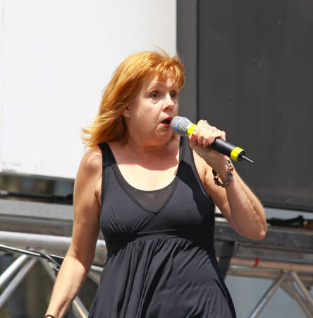 bryant: NEW YORK - AUGUST 7: Annie Golden performed Xanadu at The Broadway in Bryant Park in NYC - a free public event on August 7, 2008