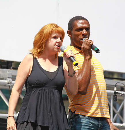 xanadu: NEW YORK - AUGUST 7: Annie Golden and Andre Ward performed Xanadu at The Broadway in Bryant Park in NYC - a free public event on August 7, 2008