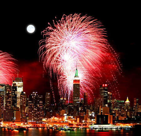 The New York City skyline and holiday fireworks Stock Photo - 7444621