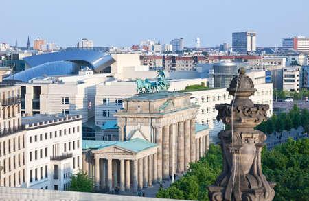 De BRANDENBURG GATE in Berlijn Duitsland  Stockfoto