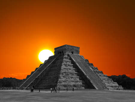The temples of chichen itza temple in Mexico, one of the new 7 wonders of the world Stok Fotoğraf - 7627801