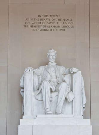 Abraham Lincoln standbeeld in het Lincoln Memorial in Washington DC    Stockfoto
