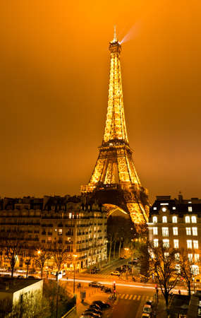 PARIS, FRANCE - DECEMBER 2: Ceremonial lighting of the Eiffel tower on  DECEMBER 2, 2010 in Paris, France. The Eiffel tower is the most visited monument of France. Stock Photo - 9218296