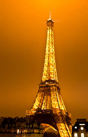 PARIS, FRANCE - DECEMBER 2: Ceremonial lighting of the Eiffel tower on  DECEMBER 2, 2010 in Paris, France. The Eiffel tower is the most visited monument of France. Stock Photo - 9232276