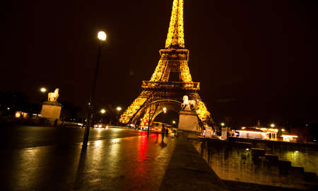 PARIS, FRANCE - DECEMBER 2: Ceremonial lighting of the Eiffel tower on  DECEMBER 2, 2010 in Paris, France. The Eiffel tower is the most visited monument of France. Stock Photo - 9232278