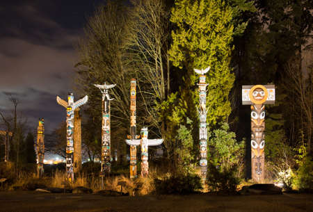stanley: The Totems in Stanley Park Vancouver at night