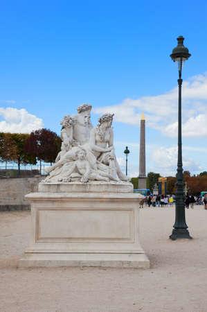 statuary garden: Paris - Statue from Tuileries garden near Louvre Editorial