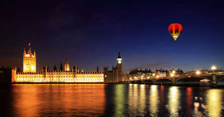 nightshot: Big Ben and Westminster at night in London