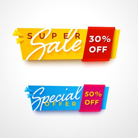 E-commerce helder. Leuke plastic kaarten in materiaal design stijl. Transparant blauw en geel papier met rode en roze linten.