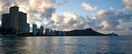 waikiki beach: Morning in Waikiki Beach, Hawaii