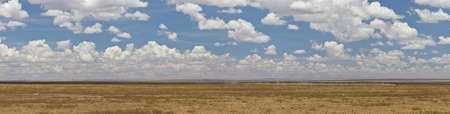 A panorama of the savanna and mountain range in the Serengeti National Park, Tanzania 版權商用圖片