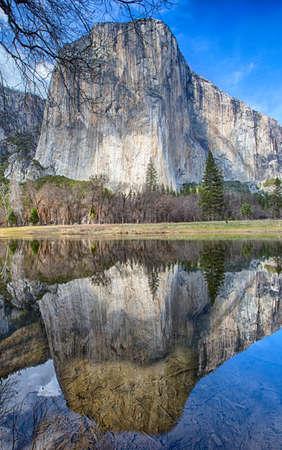 el capitan: El Capitan is reflected in the still waters of the Merced River. Yosemite National Park, California
