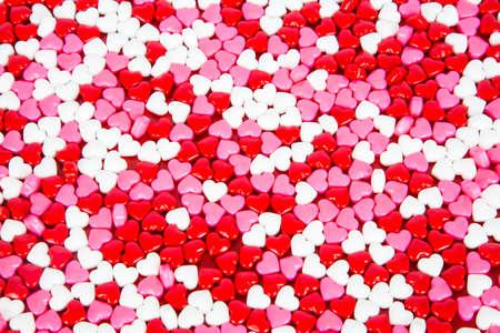 Rot, Weiß und Rosa Süßigkeiten Herzen für Valentinstag. Standard-Bild