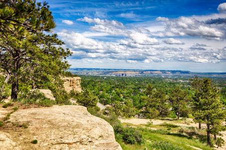 Vioew は、ビリングス、モンタナ州を取り巻く砂岩の断崖の頂上からのものです。 写真素材