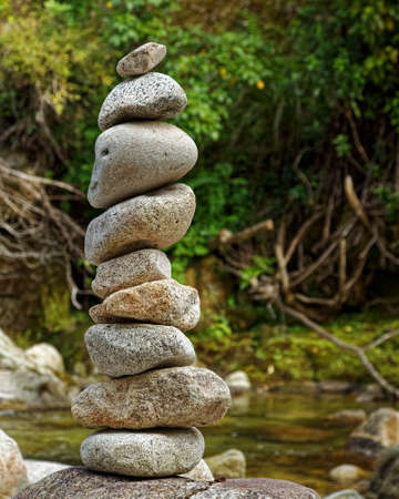 Cairn marking a way point and change of direction, Abel Tasman National Park, New Zealand Imagens