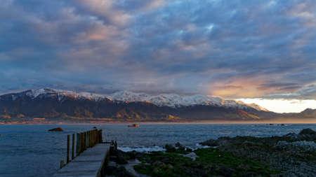 Kaikoura mountain ranges viewed from the Kaikoura, New Zealand. Imagens