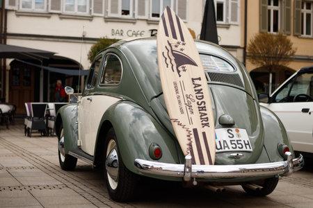LUDWIGSBURG, DEUTSCHLAND - 23. APRIL 2017: Volkswagen Beetle Oldtimer Auto bei der eMotionen Veranstaltung am 23. April 2017 in Ludwigsburg. Rückansicht. Editorial