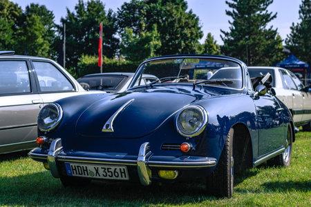Heidenheim, Germany - July 8, 2018: Porsche 356 at the 2. Oldtimer day in Heidenheim an der Brenz, Germany. Редакционное