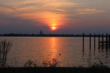 Sunset at the River 版權商用圖片