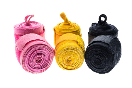 wraps: boxeo de color diferente o MMA vendajes o apósitos aislados en blanco