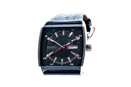 cronografo: reloj para hombre de lujo cuadrada suizo mecánico de pulsera con correa de pulsera de cuero. Cronógrafo o un tacómetro aislados en blanco. Foto de alta resolución.