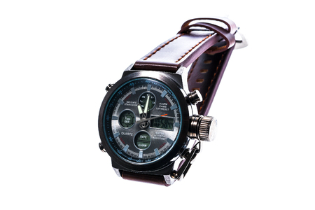 cronógrafo: de lujo para hombre redondo reloj de pulsera mecánico suizo con correa de pulsera de cuero. Cronógrafo o un tacómetro aislados en blanco. Foto de alta resolución. Foto de archivo
