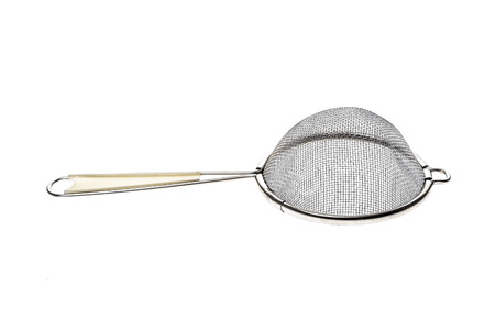 Kleine Metallische Teesieb Sieb Mit Griff Isoliert Auf Weiss