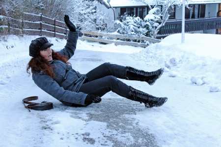 snow ground: Risk of accidents on slippery winter roads