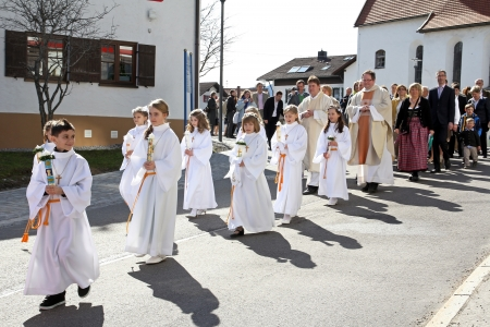 Oy-Mittelberg, Bayern, Deutschland, 14.04.2013, Pageant to the first holy communion