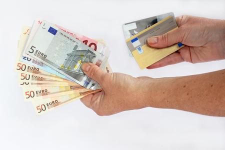 현금 또는 신용 카드 스톡 콘텐츠