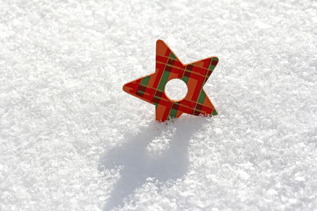 christmassy: Christmassy star in the snow