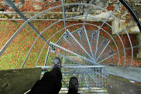 hoogtevrees op een wenteltrap