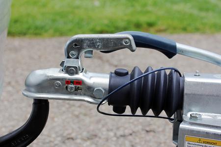 motor de carro: Gancho de remolque con un remolque