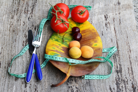Diet with fruits and vegetables. Losing weight through healthy eating with fruits and vegetables