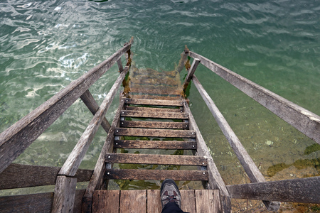 lintel: A staircase to the water. Danger for a non-swimmer