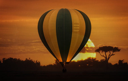 masai: Hot air balloon safari flight in the magnificent setting of the Great Rift Valley in Kenya Stock Photo