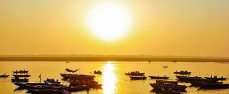 ganges: Sunrise on the Ganges