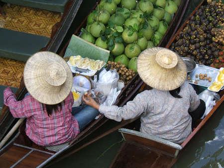 damnoen saduak: Floating market in Thailand - Damnoen Saduak Floating Market, neer banghok